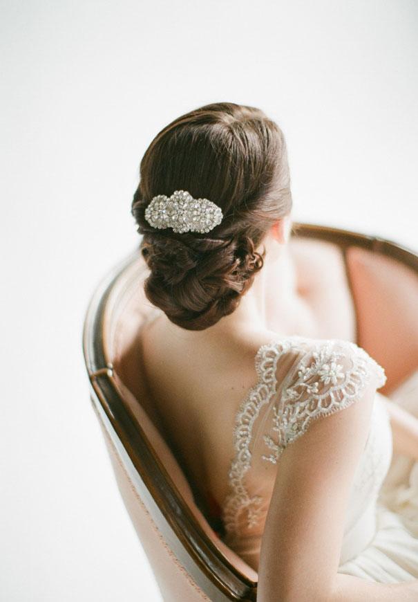 gold-three-sunbeams-bridal-hair-accessories-veil42