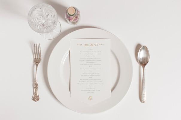 hand-drawn-stationery-wedding-invitation-confetti-advenutres-of3