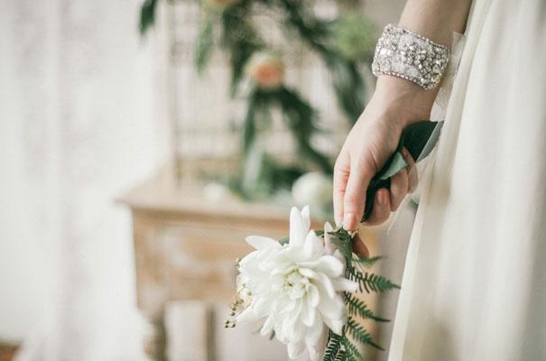 three-sunbeams-bridal-hair-accessories-veil5