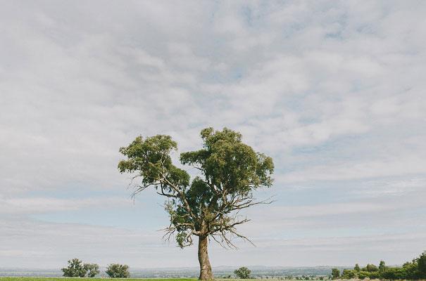 albury-country-murry-river-tabletop-wedding-bride6