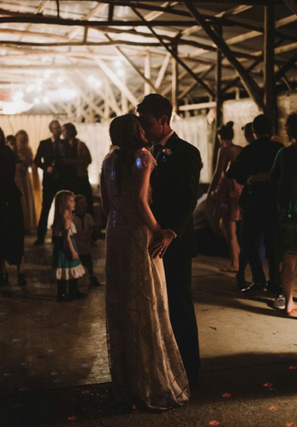 cake-sunflower-Victoria-country-wedding-diy-paper-hearts-photographer-gypsy-bride511