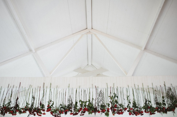 james-frost-red-roses-Mindaribba-House-wedding21