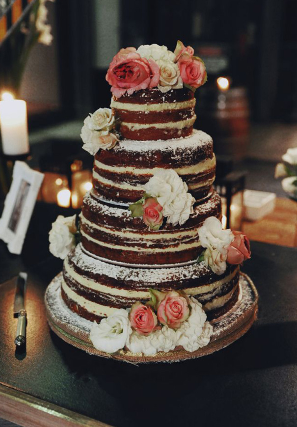 naked-wedding-cake-reception-flowers-inspiraton-donut-cake220