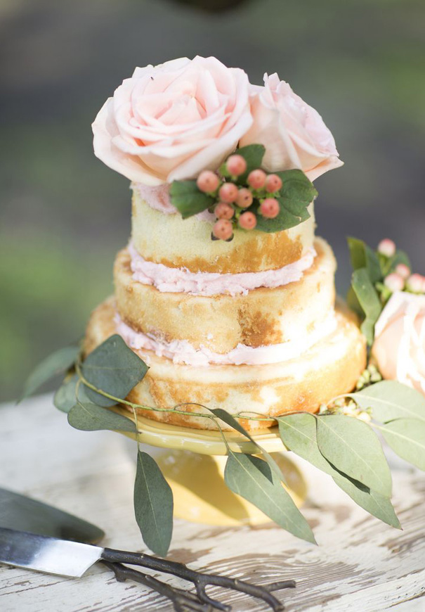 naked-wedding-cake-reception-flowers-inspiraton-donut-cake25