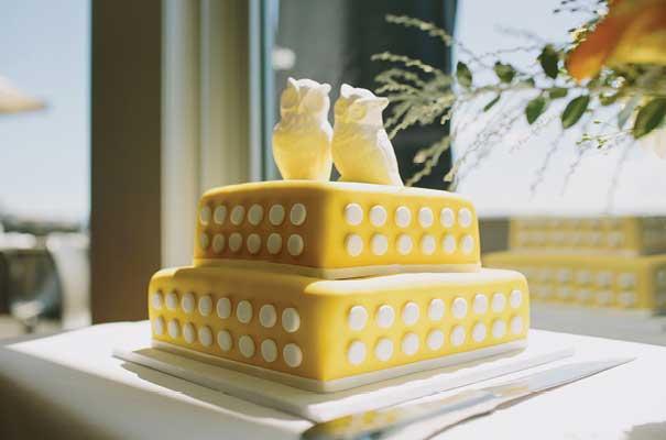 tim-coulson-yellow-polkadots-carla-zampatti-sydney-wedding-bride11