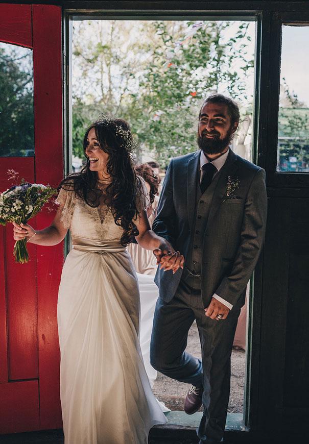 DIY-new-zealand-wedding-photographer-barn-boho-bride14
