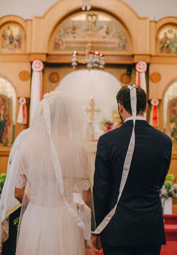 Mitch-Pohl-wedding-photographer-bride-flowers-greek-wedding3