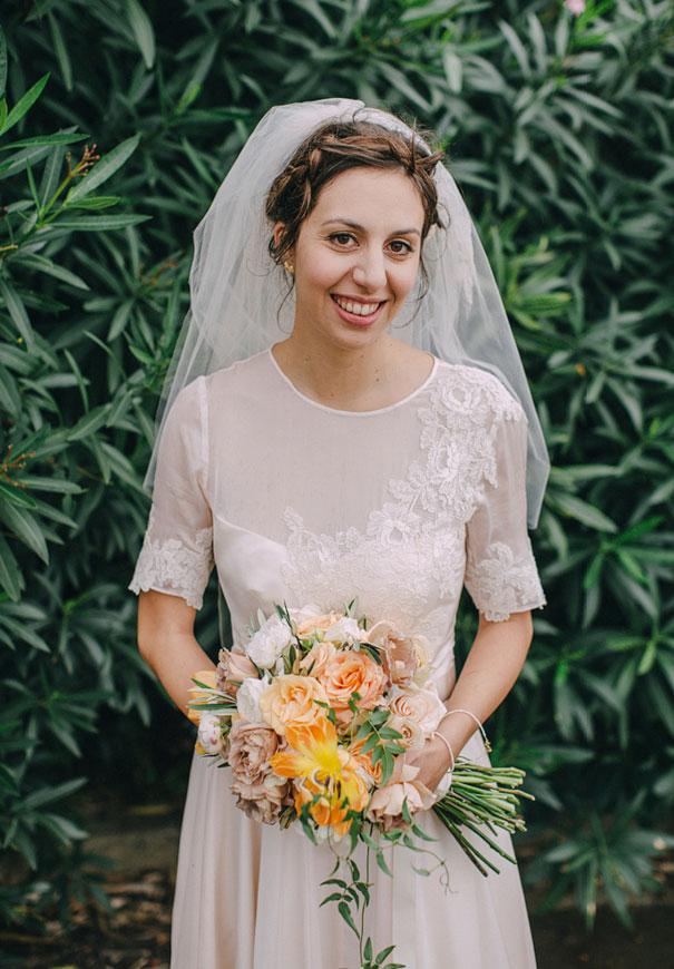 Mitch-Pohl-wedding-photographer-bride-flowers-greek-wedding4