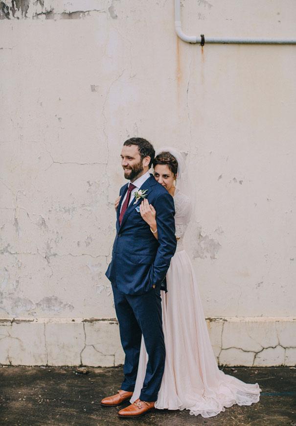 Mitch-Pohl-wedding-photographer-bride-flowers-greek-wedding5