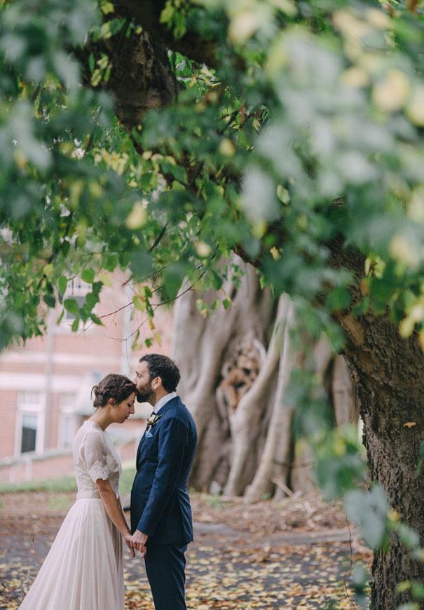 Mitch-Pohl-wedding-photographer-bride-flowers-greek-wedding6