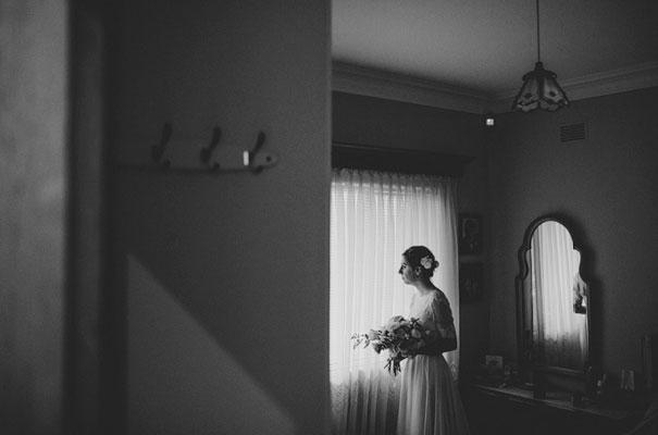 jardine-botanic-orange-peach-roses-bride-flowers-greek-wedding16