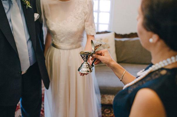 jardine-botanic-orange-peach-roses-bride-flowers-greek-wedding18