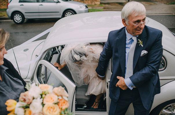 jardine-botanic-orange-peach-roses-bride-flowers-greek-wedding24
