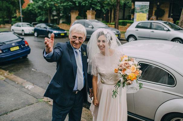 jardine-botanic-orange-peach-roses-bride-flowers-greek-wedding25