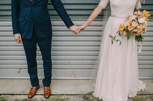jardine-botanic-orange-peach-roses-bride-flowers-greek-wedding37