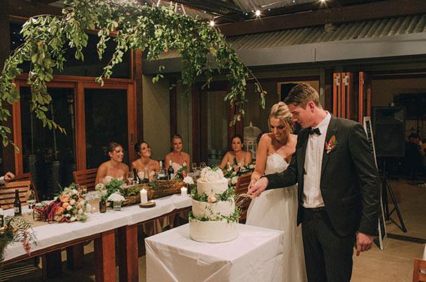 kangaroo-valley-wedding-australian-bride-bush-country70