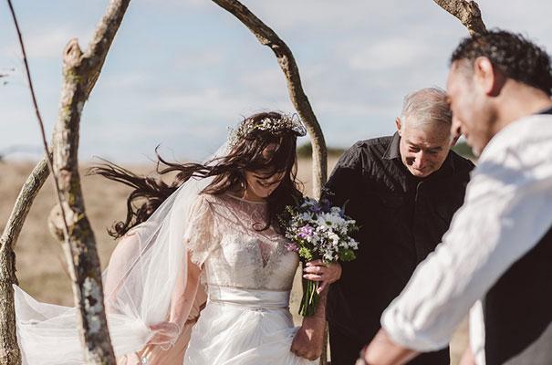 new-zealand-wedding-photographer-barn-boho-diy-bride31