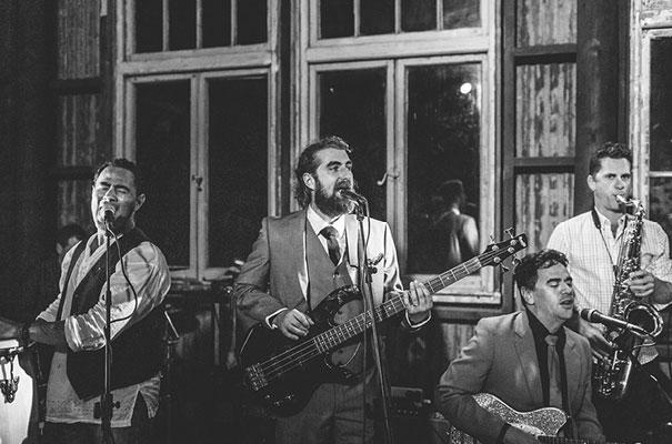 new-zealand-wedding-photographer-barn-boho-diy-bride57