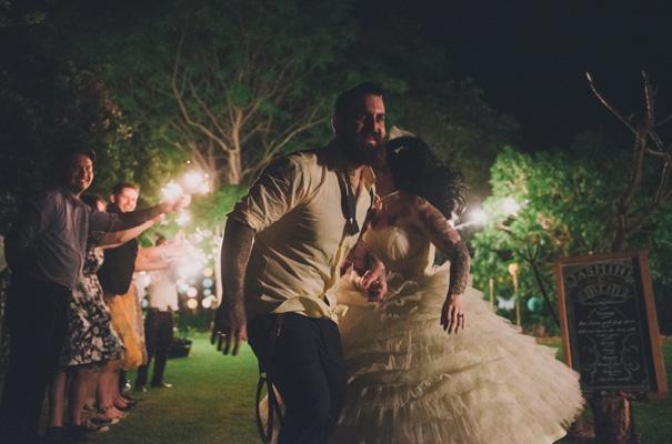 rock-n-roll-retro-vintage-bride-bright-backyard-wedding39