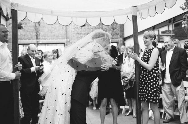 lara-hotz-sun-studios-fun-cool-jewish-wedding17