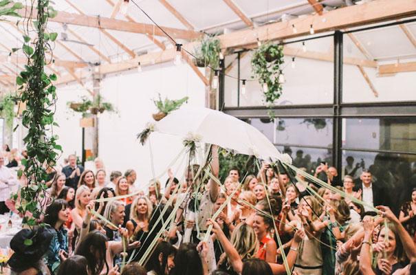 lara-hotz-sun-studios-fun-cool-jewish-wedding23