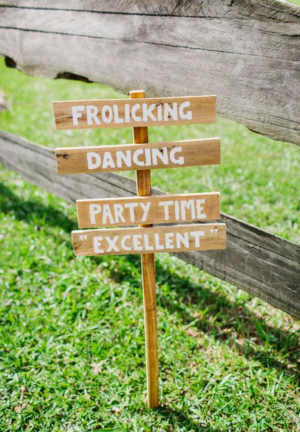 QLD-jenny-packham-bride-country-barn-diy-wedding5