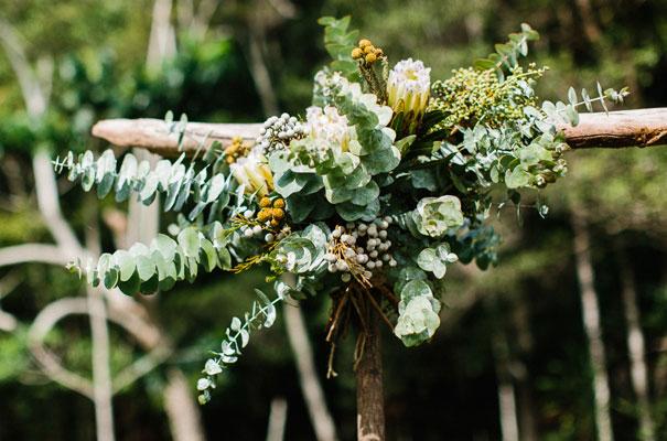 jenny-packham-bride-country-barn-diy-wedding13