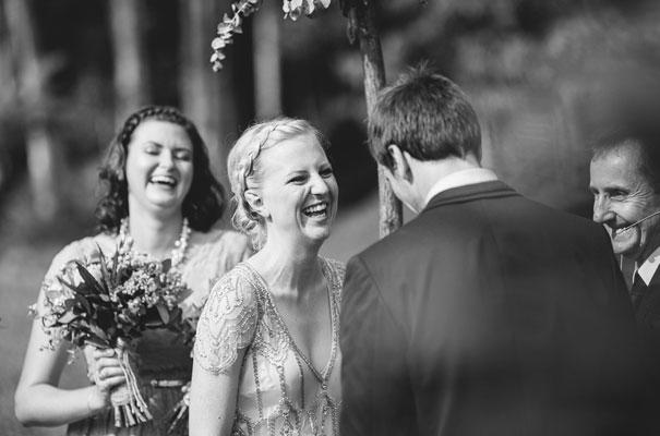 jenny-packham-bride-country-barn-diy-wedding16