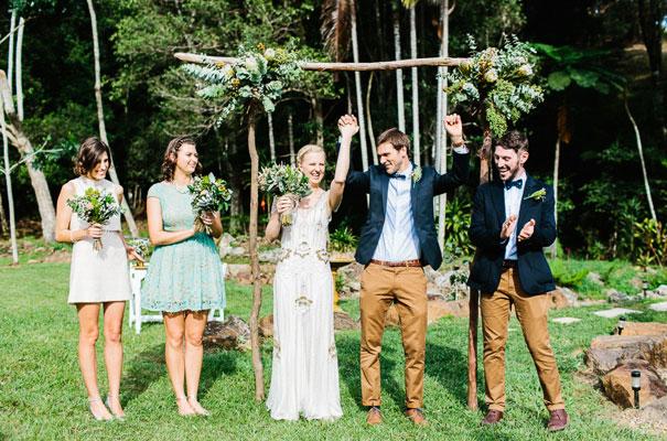jenny-packham-bride-country-barn-diy-wedding19