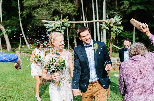 jenny-packham-bride-country-barn-diy-wedding20