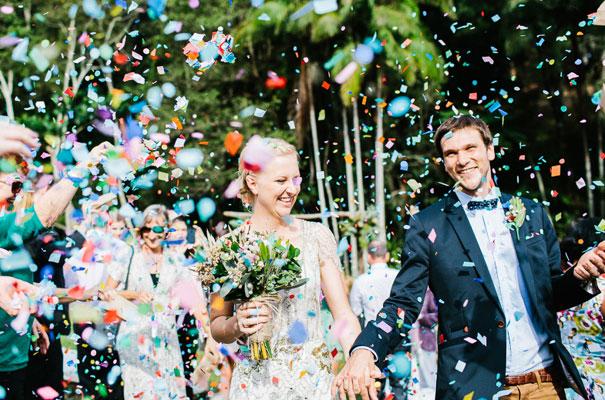 jenny-packham-bride-country-barn-diy-wedding21