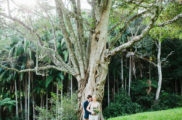 jenny-packham-bride-country-barn-diy-wedding29