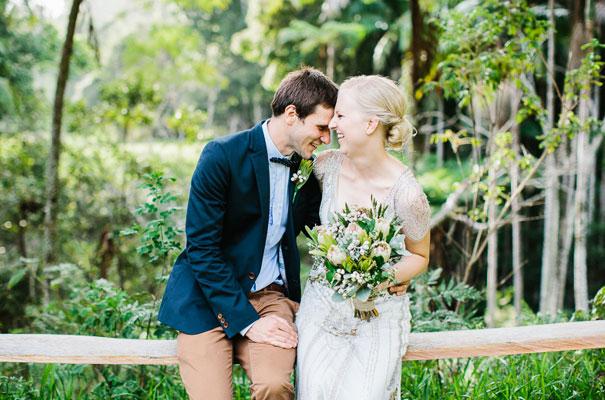 jenny-packham-bride-country-barn-diy-wedding30