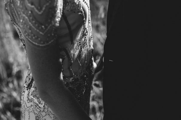 jenny-packham-bride-country-barn-diy-wedding34