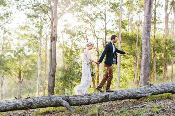 jenny-packham-bride-country-barn-diy-wedding37