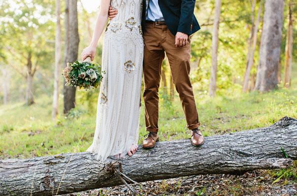 jenny-packham-bride-country-barn-diy-wedding38