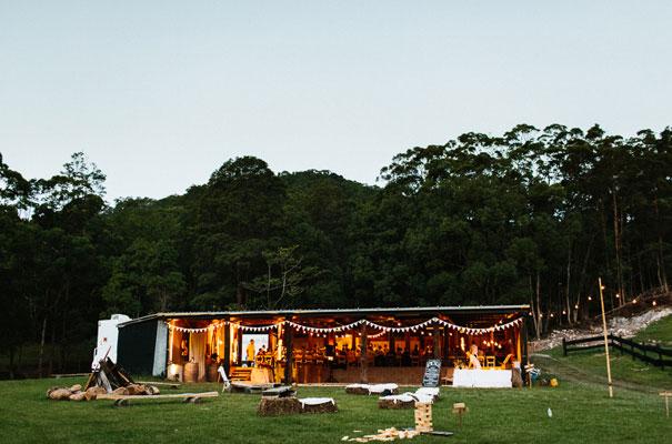 jenny-packham-bride-country-barn-diy-wedding41