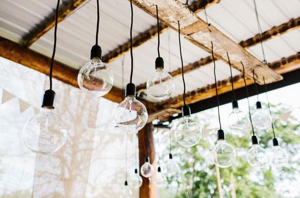 jenny-packham-bride-country-barn-diy-wedding6