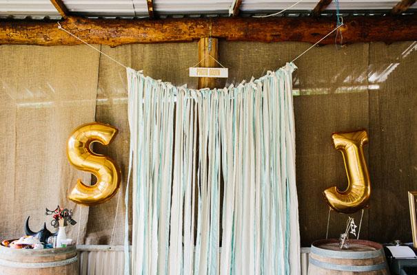 jenny-packham-bride-country-barn-diy-wedding7