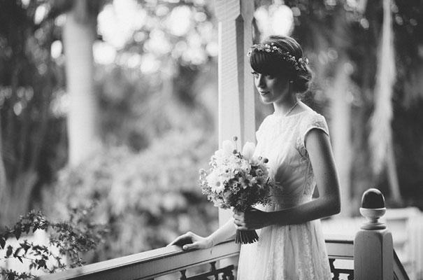 yellow-country-vintage-lace-dress-daisies-wedding-jess-jackson12