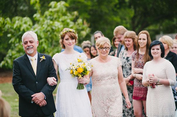 yellow-country-vintage-lace-dress-daisies-wedding-jess-jackson19