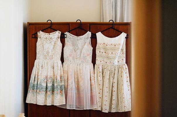 yellow-country-vintage-lace-dress-daisies-wedding-jess-jackson2