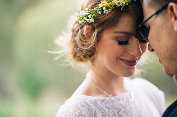 yellow-country-vintage-lace-dress-daisies-wedding-jess-jackson31
