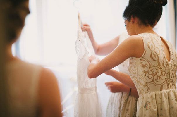 yellow-country-vintage-lace-dress-daisies-wedding-jess-jackson7