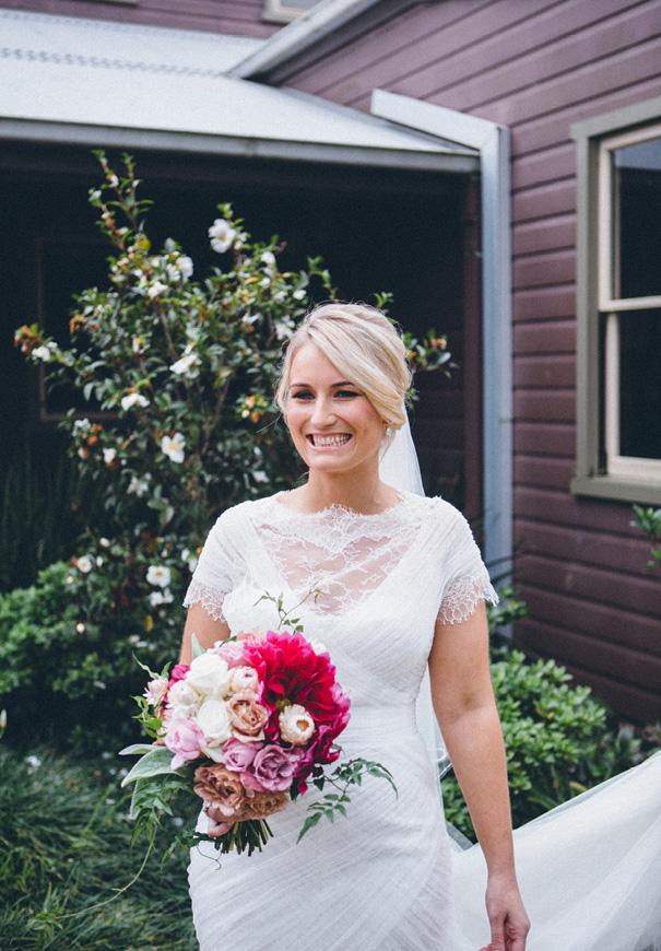 NSW-kangaroo-valley-country-wedding-pink-berry-flowers8