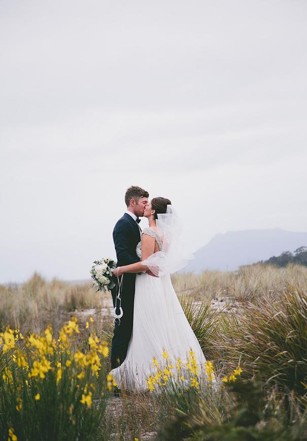 Anna-campbell-TAS-wedding-photographer3