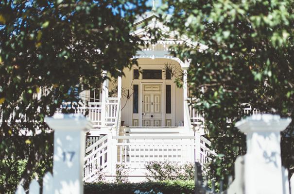DIY-backyard-wedding-ladder-floral-styling-inspiration