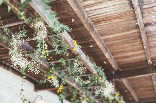 DIY-backyard-wedding-ladder-floral-styling-inspiration3
