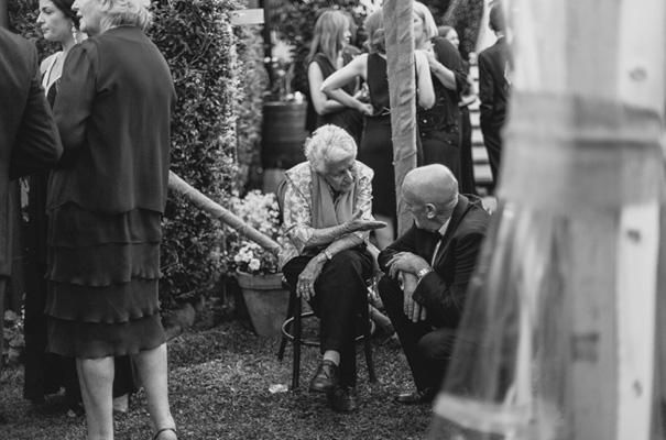 DIY-backyard-wedding-ladder-floral-styling-inspiration33