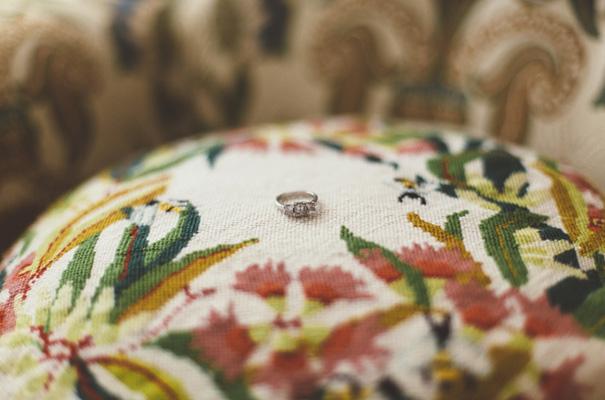 DIY-backyard-wedding-ladder-floral-styling-inspiration5